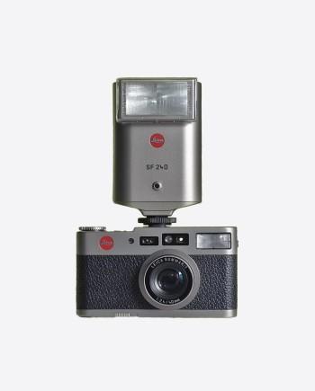 Комплект: камера LEICA CM, вспышка SF24